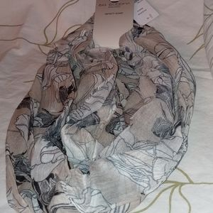 Gray &'white floral leaf gray infinity scarf